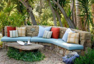 Украшение сада и дома камнями