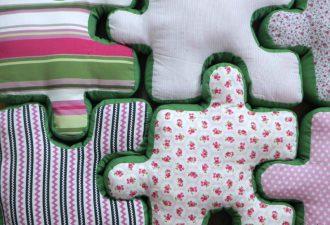 Как сшить подушки-паззлы: украшаем детскую