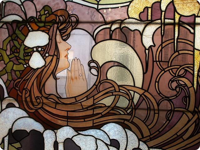 Волшебные витражи в стиле art nouveau: вдохновленные природой