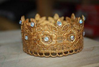 Корона из кружева для маленькой принцессы своими руками