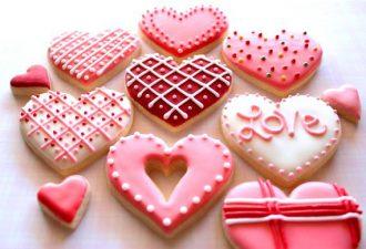 11 рецептов сахарной глазури для творческого подхода к украшению печенюшек