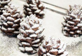 Вкусные шишки из шоколадных хлопьев в сахарной пудре