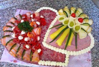 20 идей нарезки продуктов для гостей на праздничный стол