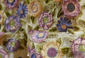 Декор от кутюр: вглядываемся в детали самых шикарных платьев