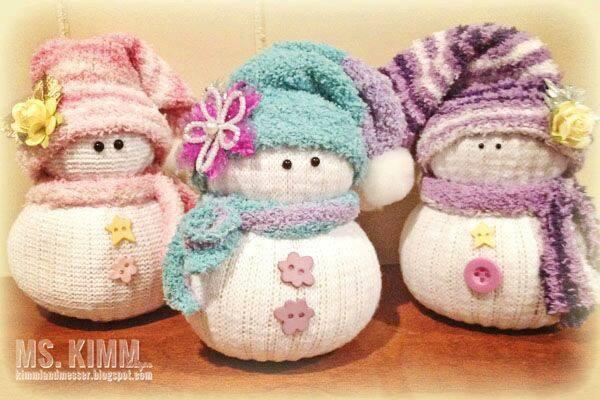 10 идей милых снеговичков из носков своими руками