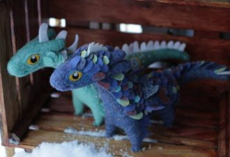 Фантастически милые драконы из мягкой шерсти и фетра