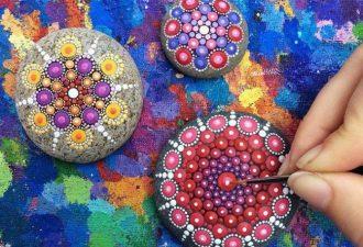 Точечная роспись камней: впечатляющие узоры из кругов